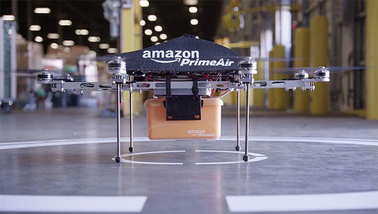 Amazon începe testele cu drone în UK